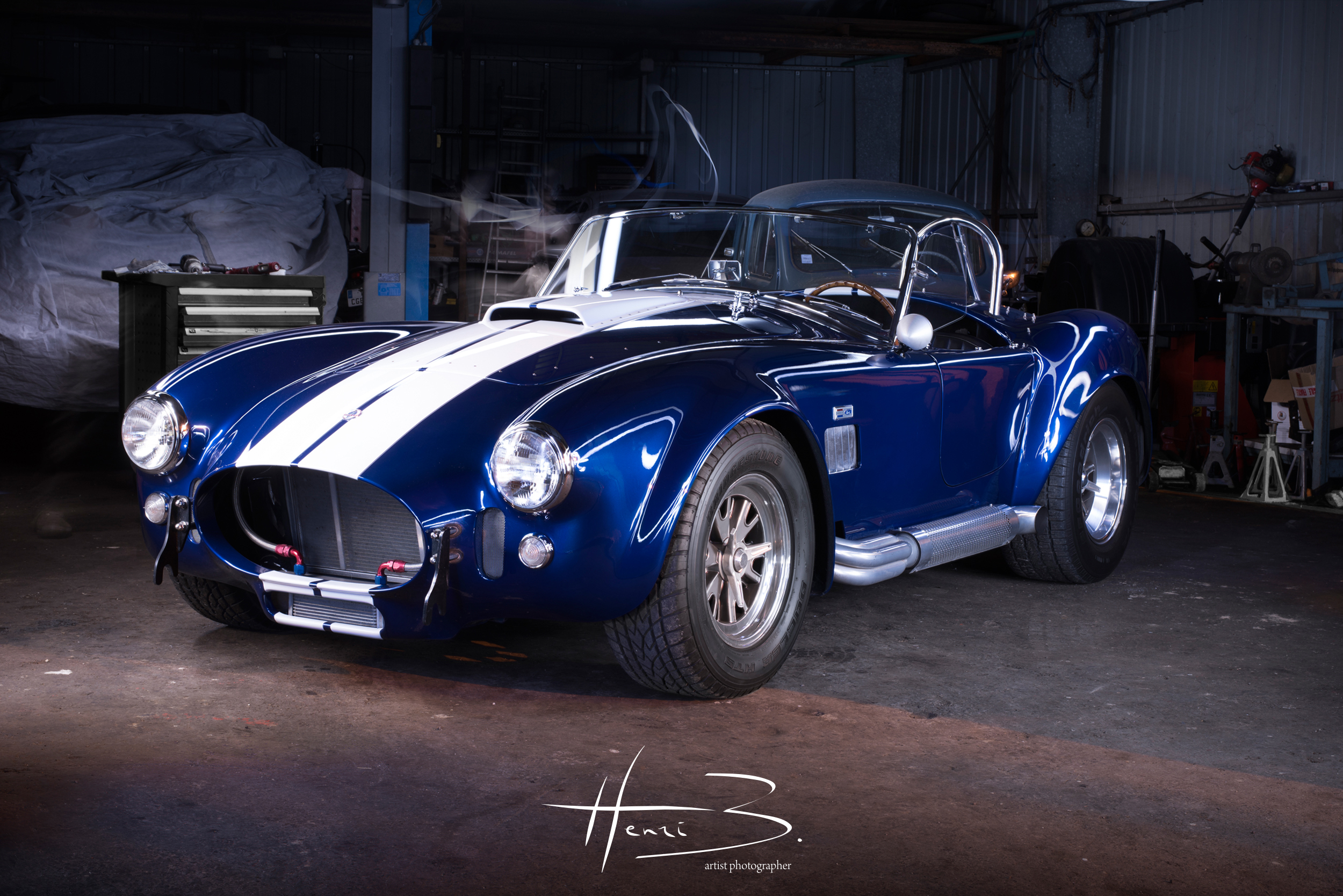 Une AC Cobra sous Light Painting